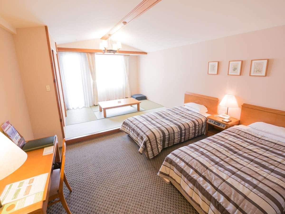 【客室一例】和洋室(ツインベッド+和室6畳間)