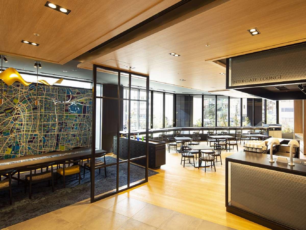【インターゲートラウンジ】やわらかな朝陽が差し込むラウンジではホテル自慢の朝食をご用意。