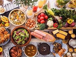 【朝食ブッフェ】オープンキッチンの出来立てメニューや和にもこだわった目移り必至のラインナップ