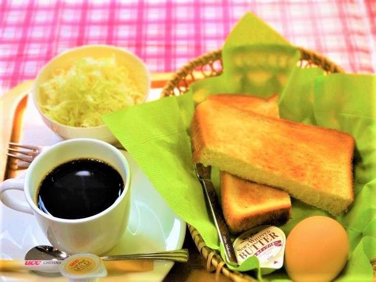 【玉子セット(バター/ジャム)】こだわりのたまご「蘭王」のゆで卵とトーストのセットです。