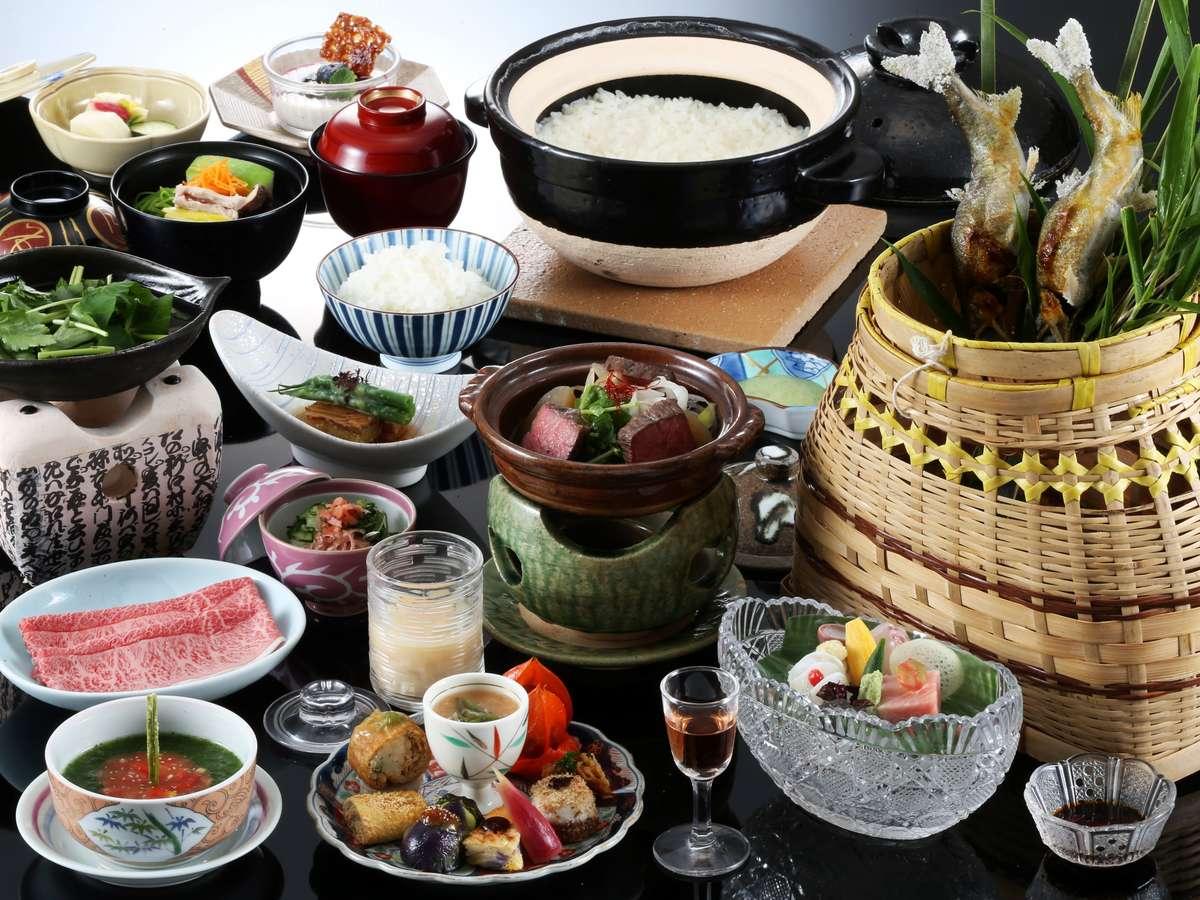 夏の「味覚膳」料理一例 飛騨牛と旬の彩りを添えた板長自慢の和風会席料理
