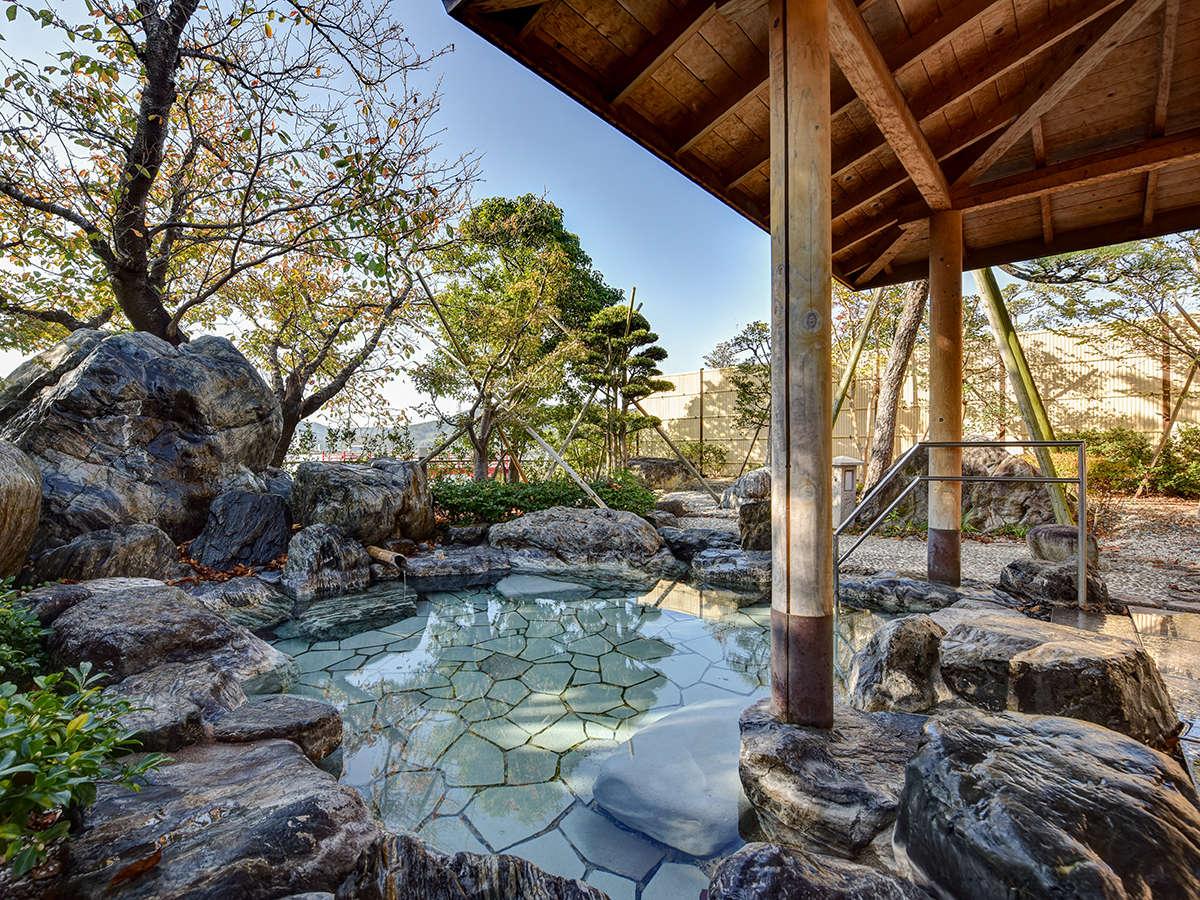 *【露天風呂 星空】山陰八景のひとつと数えられる東郷湖を一望!