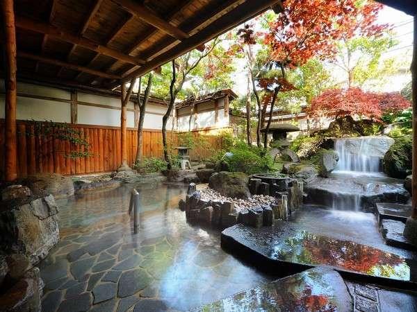 女性用の庭園露天風呂。時間を忘れてのんびりできるよ!