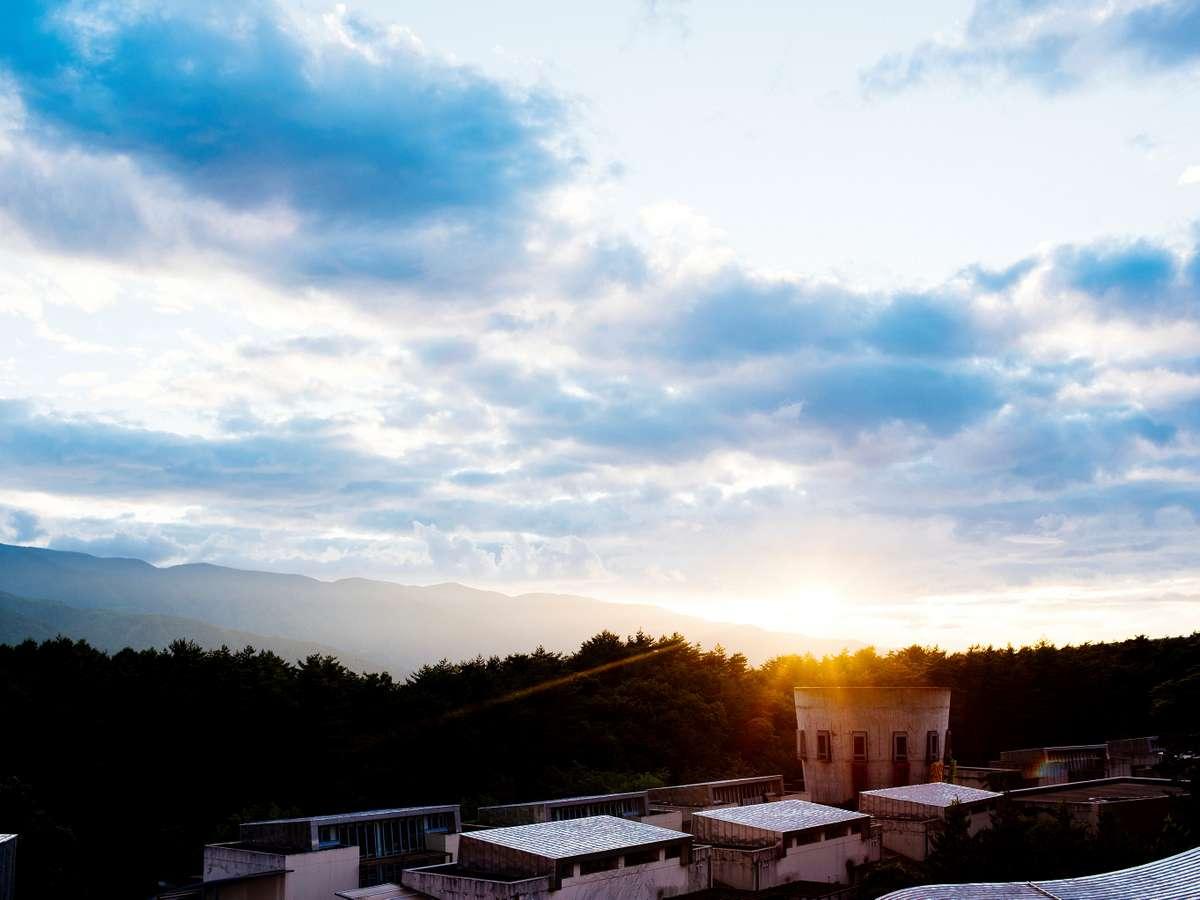 リゾナーレでは、自然の恵みを堪能し、自然を遊びつくす特別体験を数多くご用意しています。