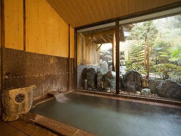 一晩中お好きな時間に入れる内湯。昼神温泉はアルカリのpHが高いのでツルツルすべすべ、美人の湯♪