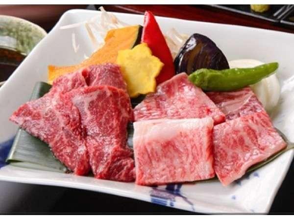 【松阪牛ロース&赤身肉】陶板ステーキ御膳お客様の声にお応えし、ロースと赤身をハーフ&ハーフでご用意