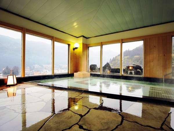 下呂温泉街を眺めながらご入浴できる展望大浴場