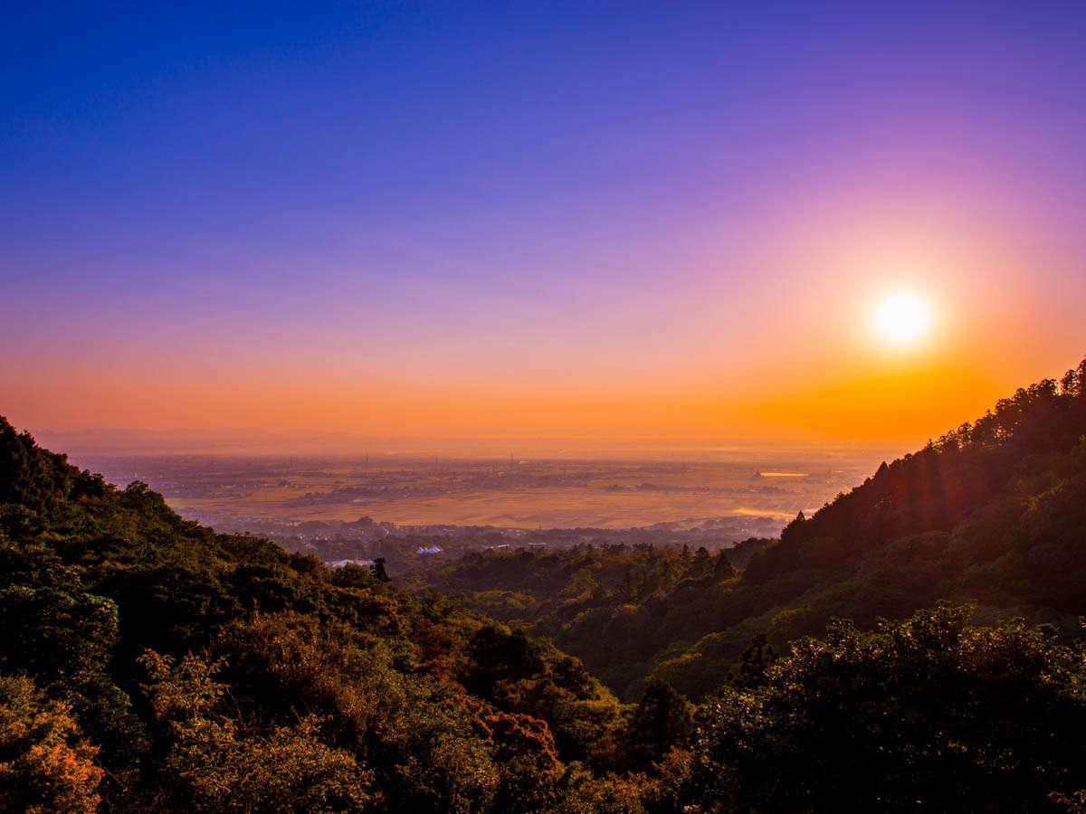 絶景の中やわらかな日差しに包まれて迎える朝は、ここでしか味わえない心落ち着くひととき。
