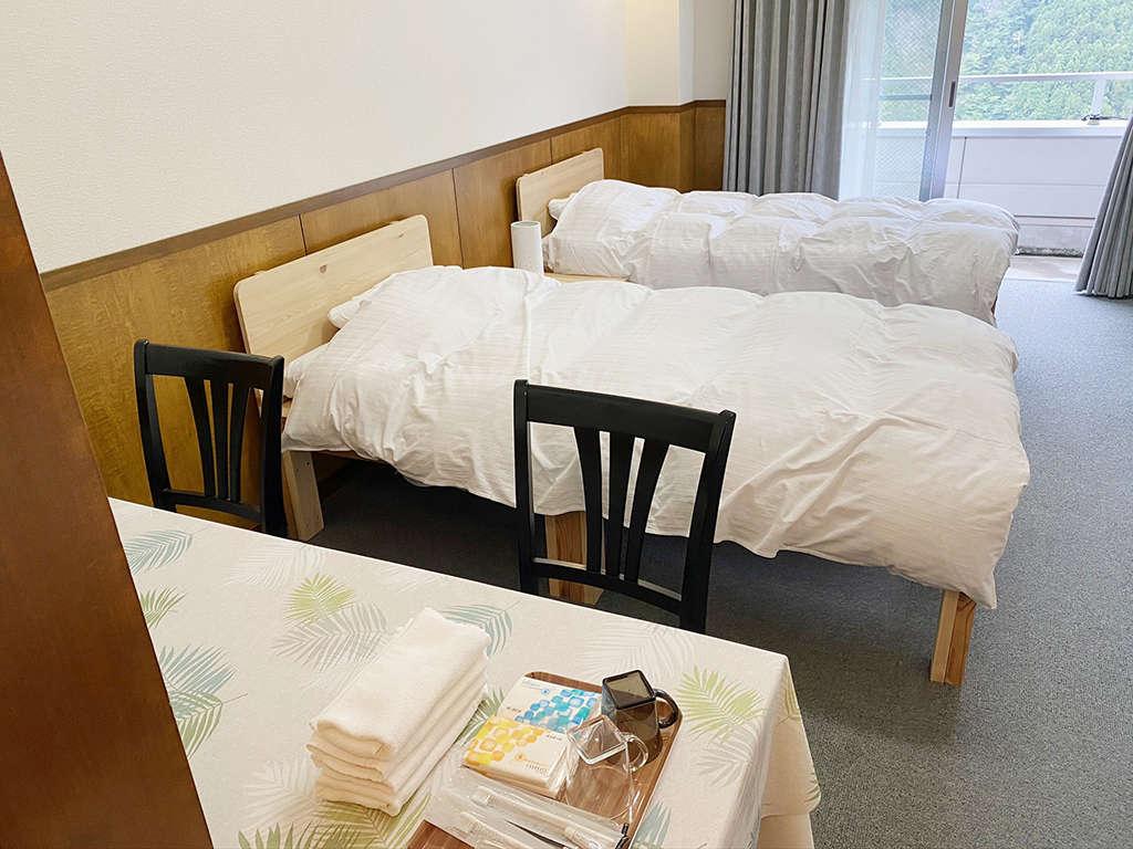 3人部屋(シングルベット3台)1から3名様のご利用が可能です。