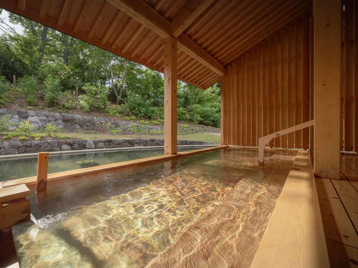 ぶなの森の風が爽やかな露天風呂