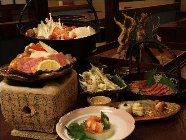 季節の美食材をふんだんに使った、手作りの炉端風郷土料理(一例)