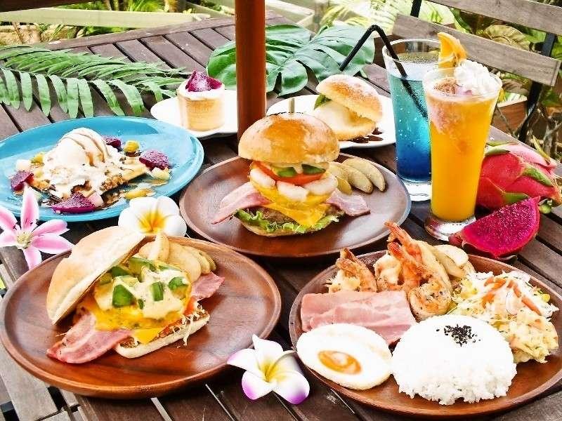 地元でも人気のハワイアンランチはテイクアウトしてビーチで食べるのもオススメ。