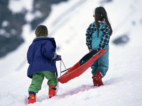 キッズパークも充実の斑尾高原スキー場。子供から大人まで楽しみましょ。