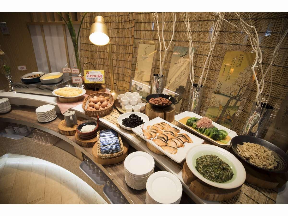 朝食ビュッフェ(千葉県内の産地直送の食材が盛り沢山!)