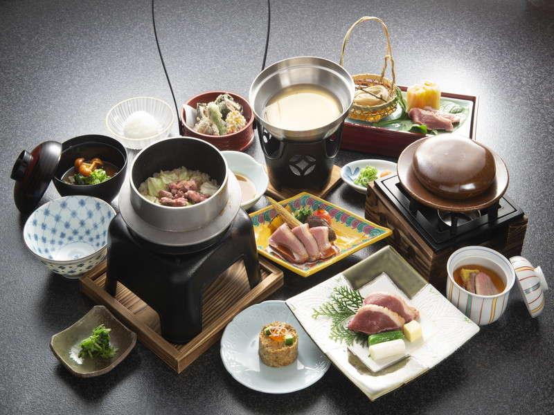 河内鴨会席:一品一品料理法を変えて、旨味・味わい・食感を楽しめる品々をご用意!