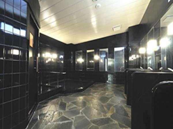 当ホテル自慢の大浴場です。3:00p.m.から9:00a.m.までご利用いただけます。