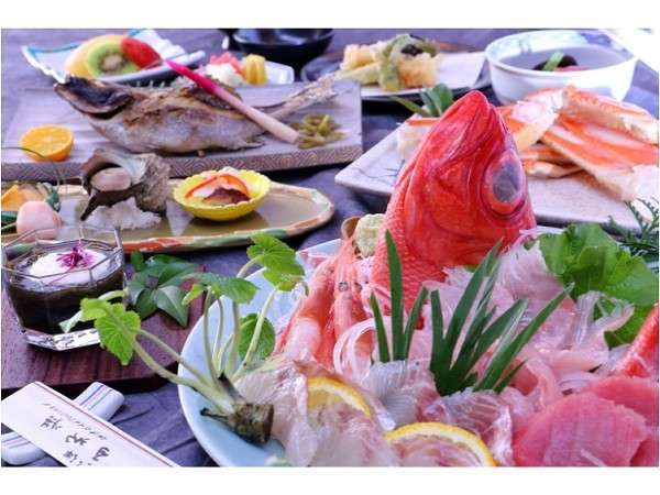【料理】夕食基本コースのイメージ山光荘では伊豆ならではの食材をご堪能いただけます。