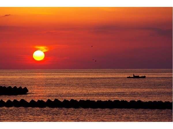 【松崎名物】駿河湾に沈む夕陽をご堪能ください。