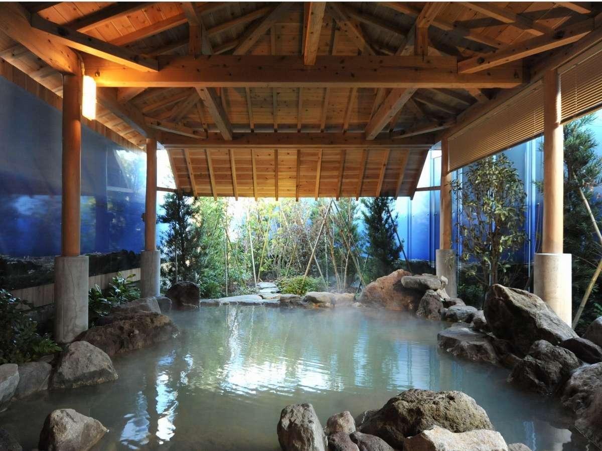 1階 露天風呂
