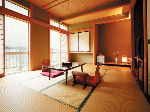 和室(一例)四季折々の赤城の大自然、渓流が望めるお部屋