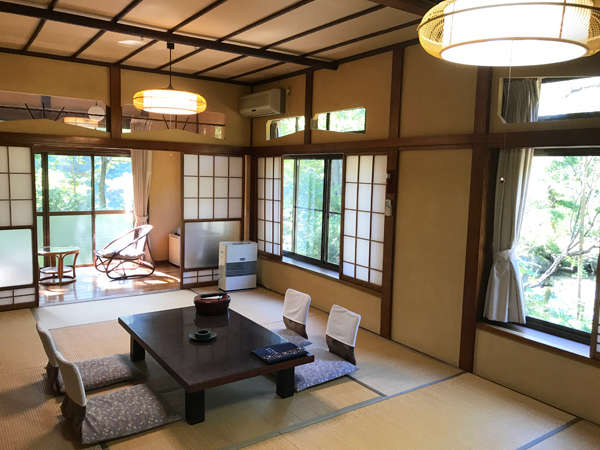 別館「竜胆」14畳の広々とした和室。