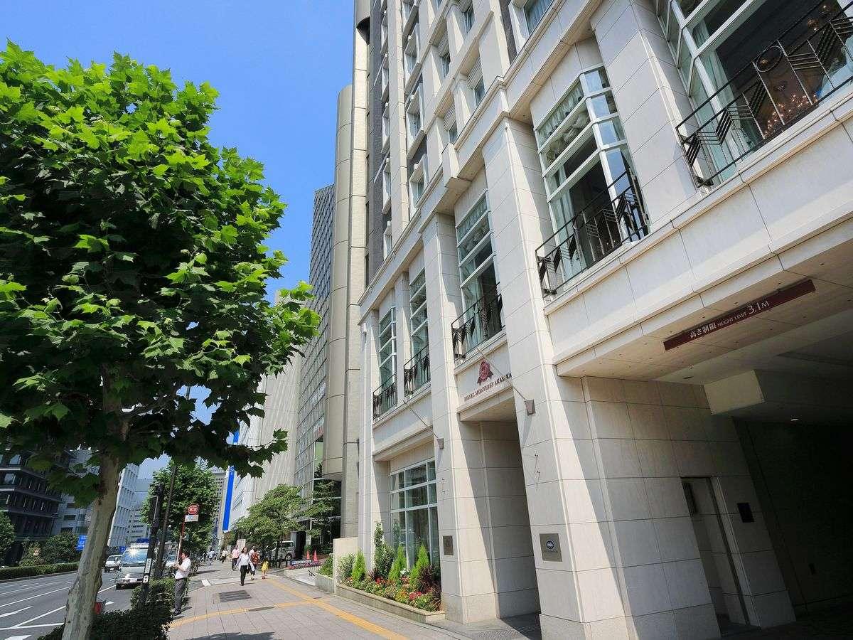 タウンハウスに招かれた雰囲気の中で過ごす青山通りに面したホテル