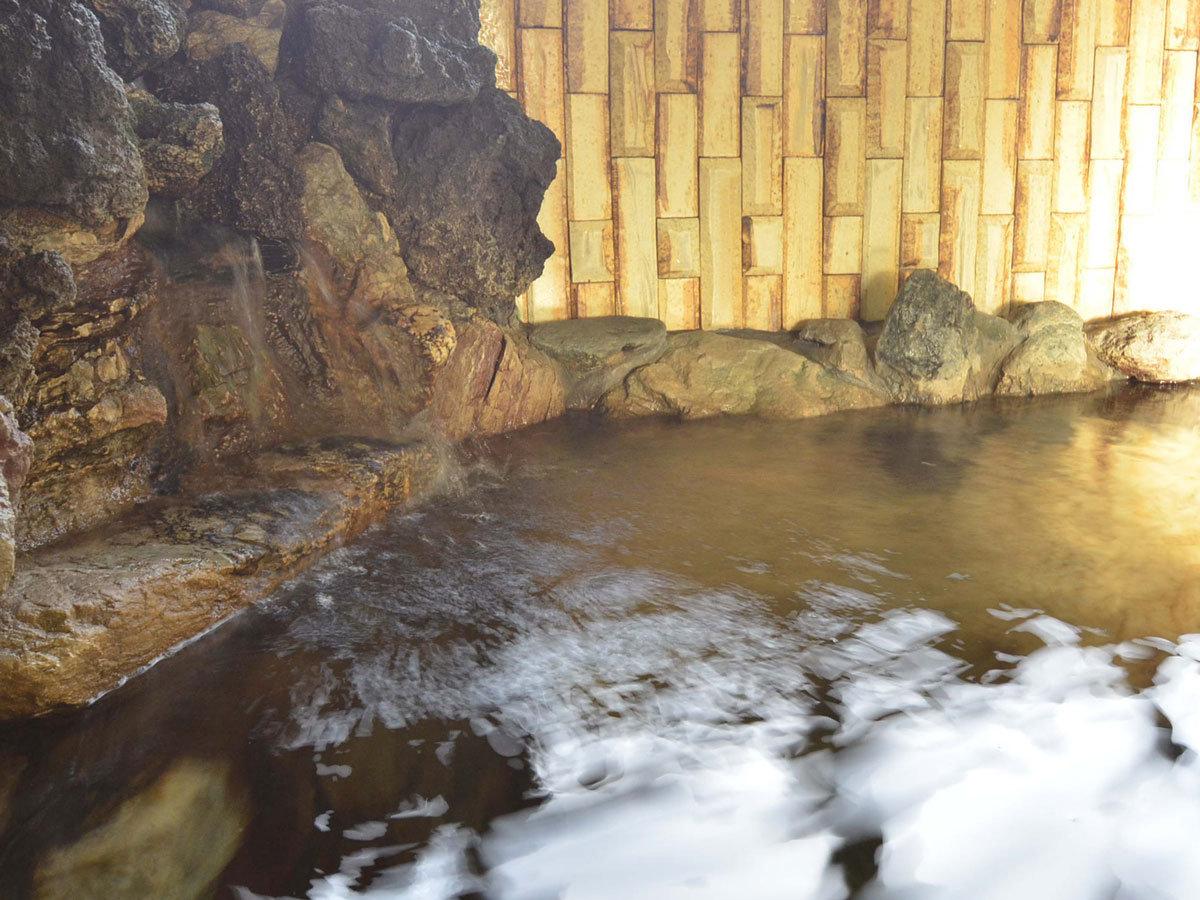 *20度弱の冷泉を温めた天然温泉です。珠洲温泉とほぼ同じ成分です。温まると人気。