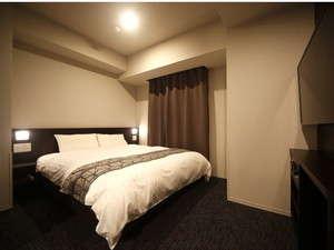 ◇禁煙◇クイーンルーム 16平米 ベッド160×195センチ シモンズ社製 42型テレビ