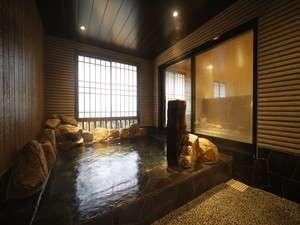 ◆女性大浴場外湯 四季を感じる外気湯 水温:41~43度