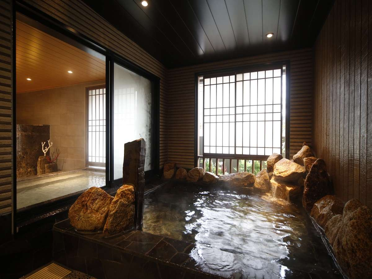 ◆男性大浴場外湯 水温:41~43度