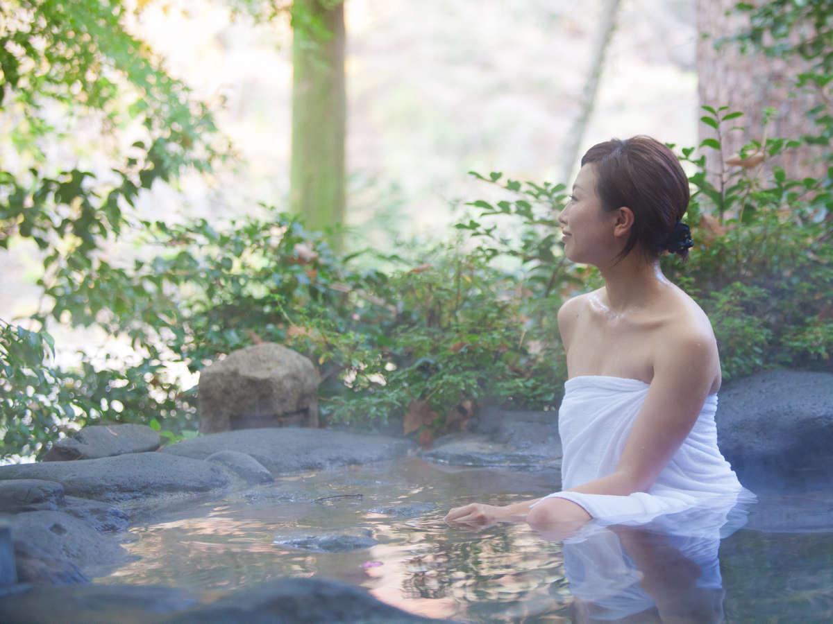 【露天風呂】渓流沿いで開放的な露天風呂は鬼怒川温泉随一!