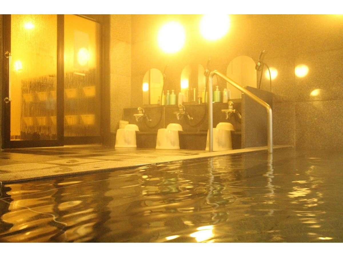 ☆自慢の大浴場☆夜は深夜2:00まで、朝は5:00から利用できます。手足を伸ばしてのんびりと入浴◎