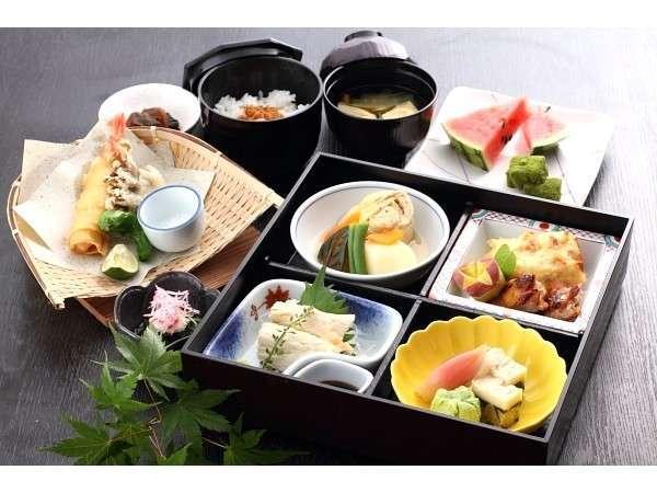 和レストラン『桜』ランチ「湯波御膳A」夏一例