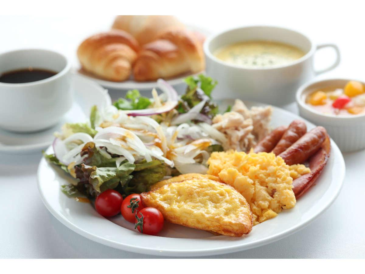 名古屋めしをはじめ和洋中30-45種類の朝食バイキング