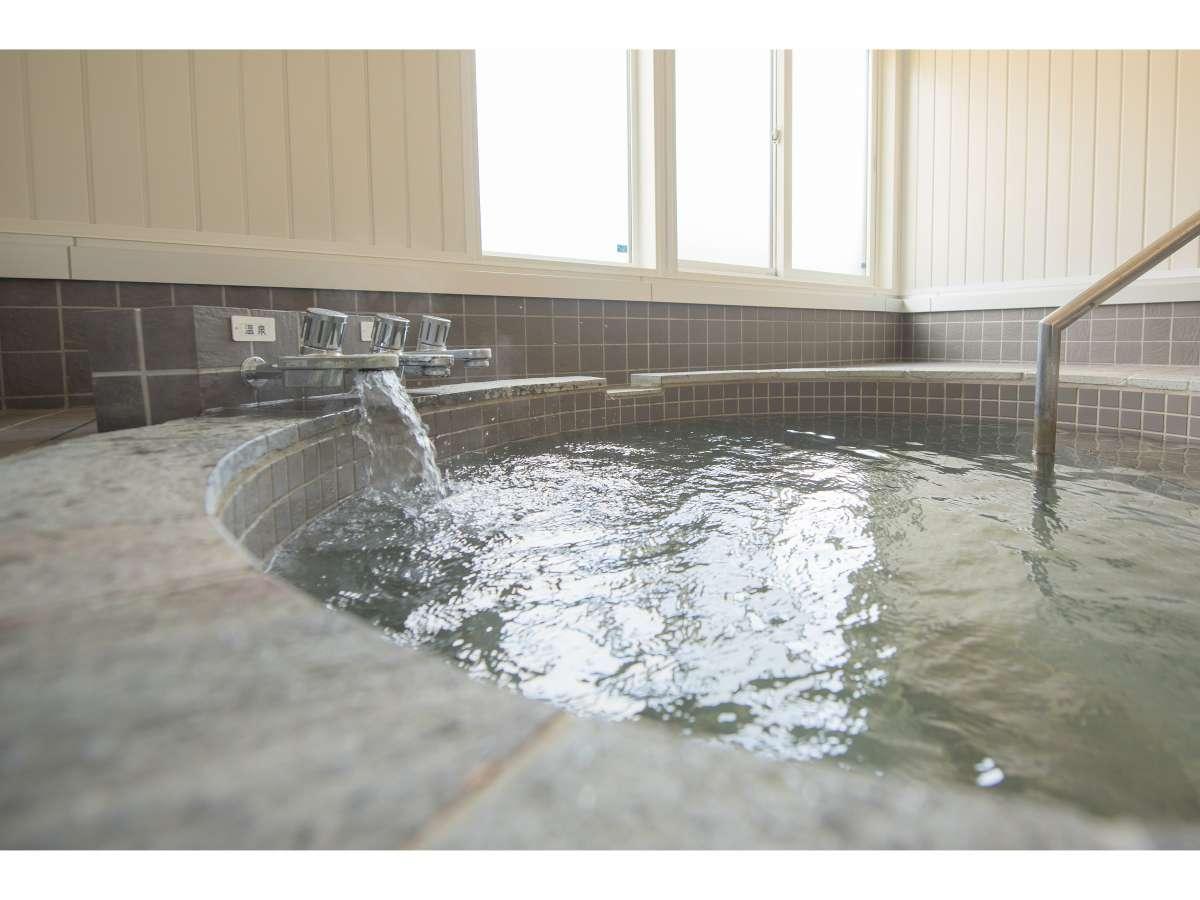 コテージ内浴室(100%源泉掛け流し)お部屋により浴室が異なります
