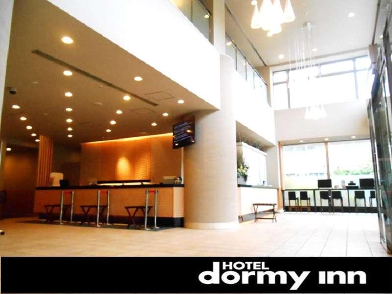 ◆ロビー 2階が吹き抜けになっており、明るく快適な空間です♪