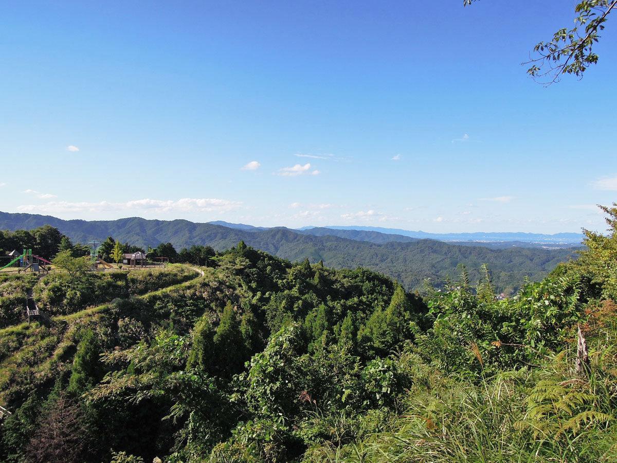 山頂(標高330m)の高台に位置している為眺望が最高です!