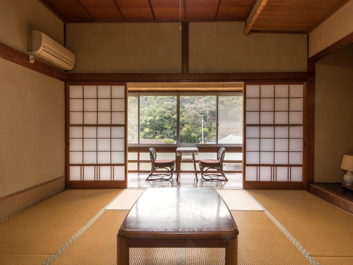 *【和室8畳】日当たりの良い広縁でのんびりするのも良いですね♪