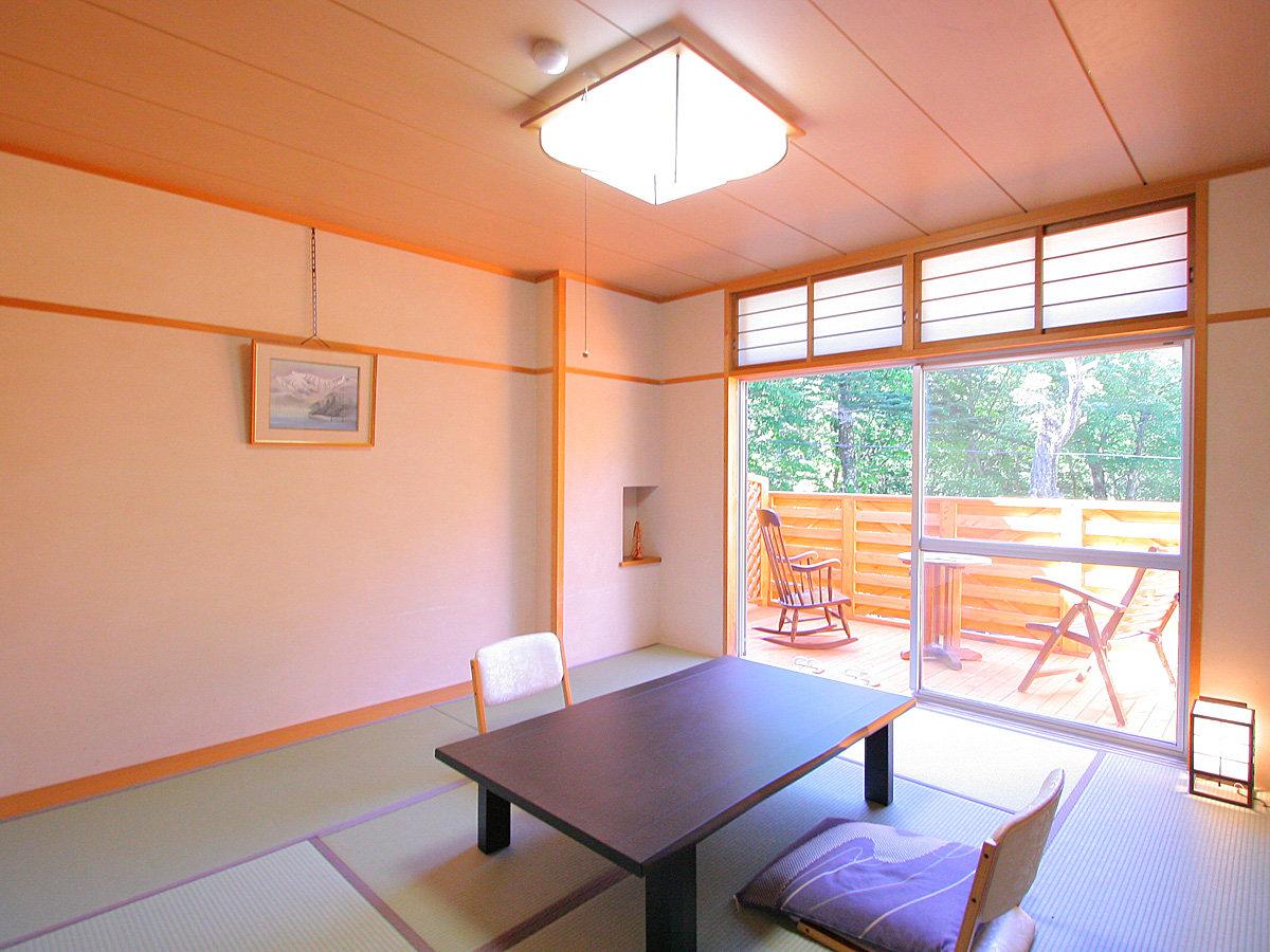 テラス付の8畳和室【冬季期間は、テラスは積雪によりご使用不可】