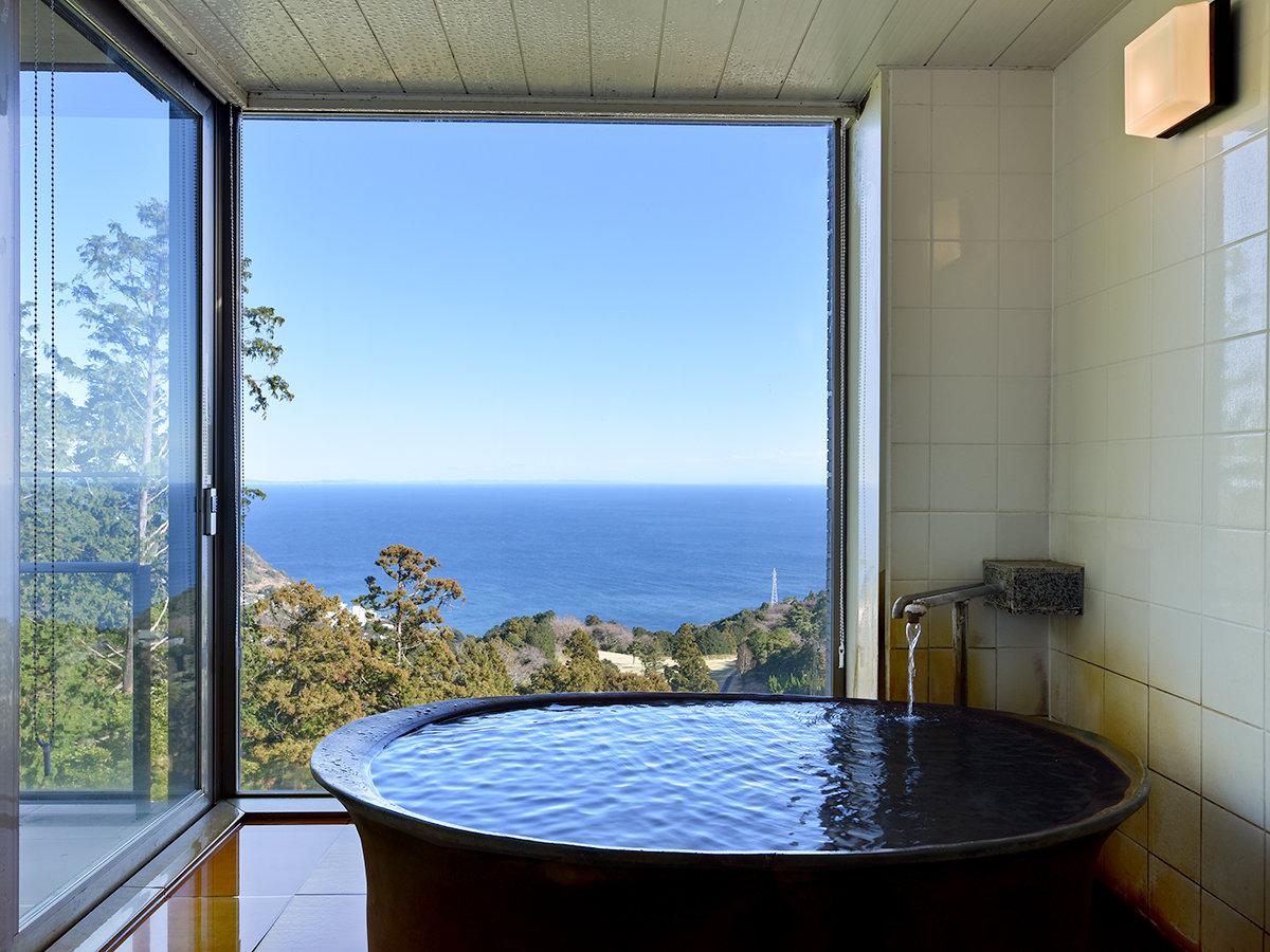 *全室、源泉掛け流し客室露天風呂付。お好きな時に、お好きな時間温泉を楽しむ事が出来ます。