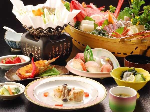 スタンダードプランの夕食に舟盛付!更に地魚の握り寿司も付いてる!