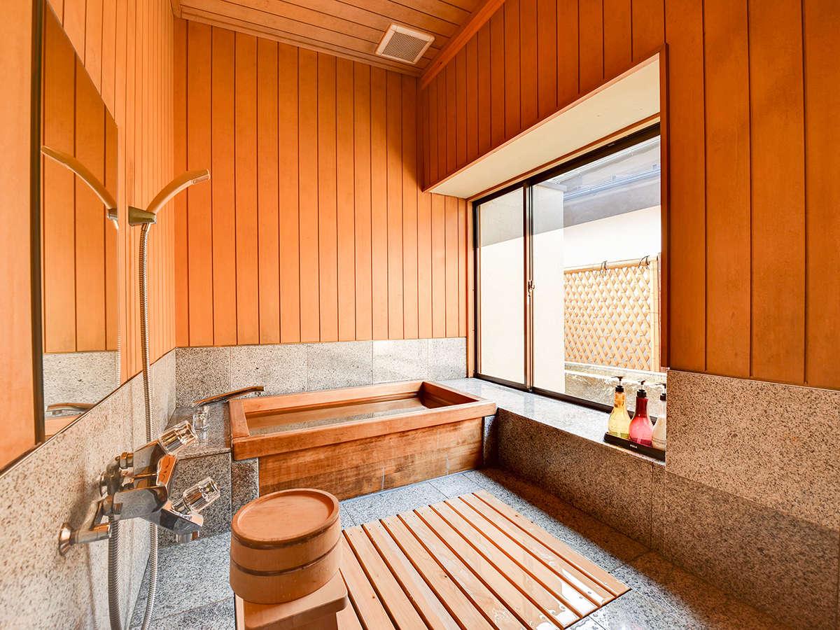 *【雅:1階・庭園を望む和室一例】お部屋には檜風呂がついております