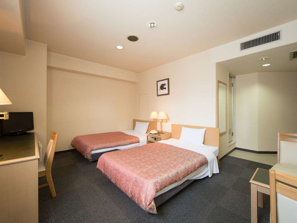 【ツインルーム】お部屋でゆったりくつろぎたいお二人様に[広さ]24平米[ベッド幅]120cm