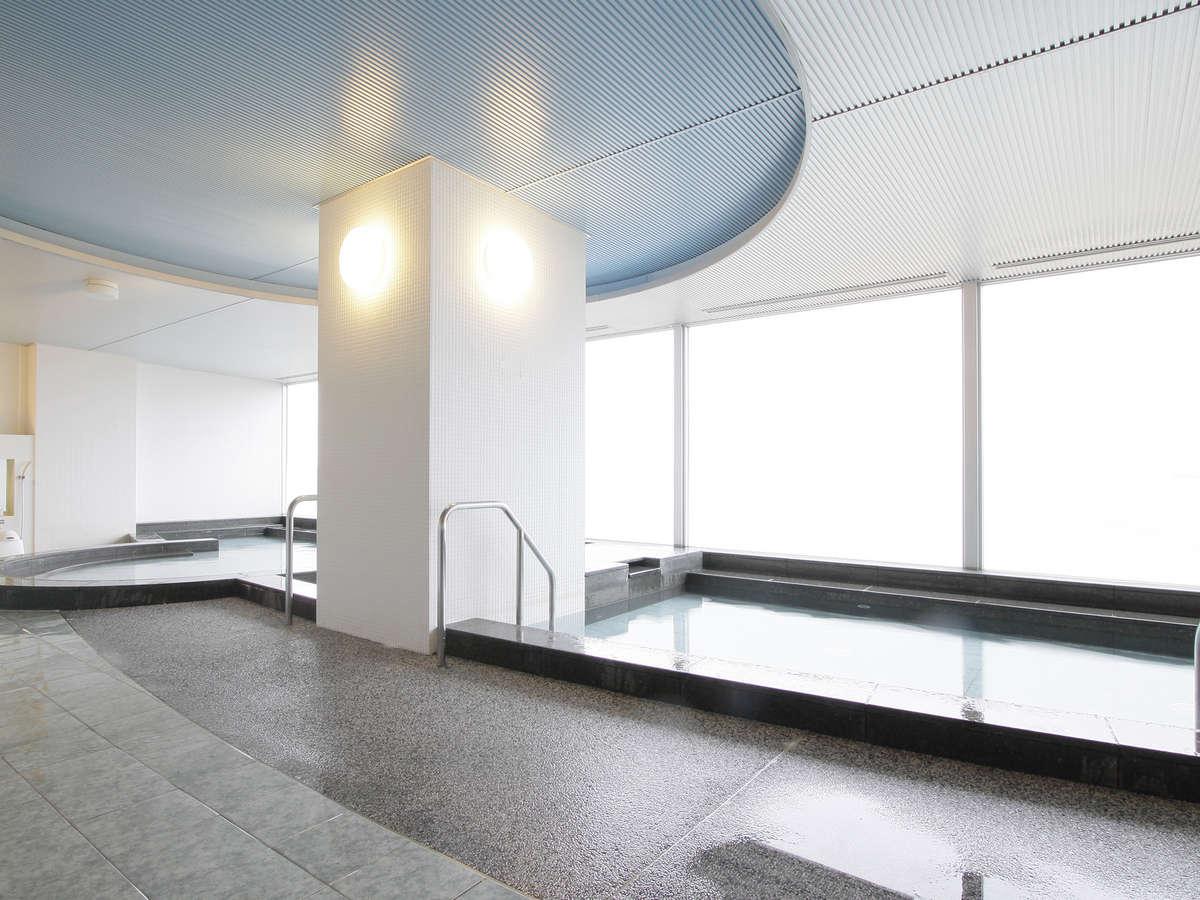 7階展望大浴場海と公園に面した大浴場は男湯、女湯ともに約205m2(約126畳の広さ)