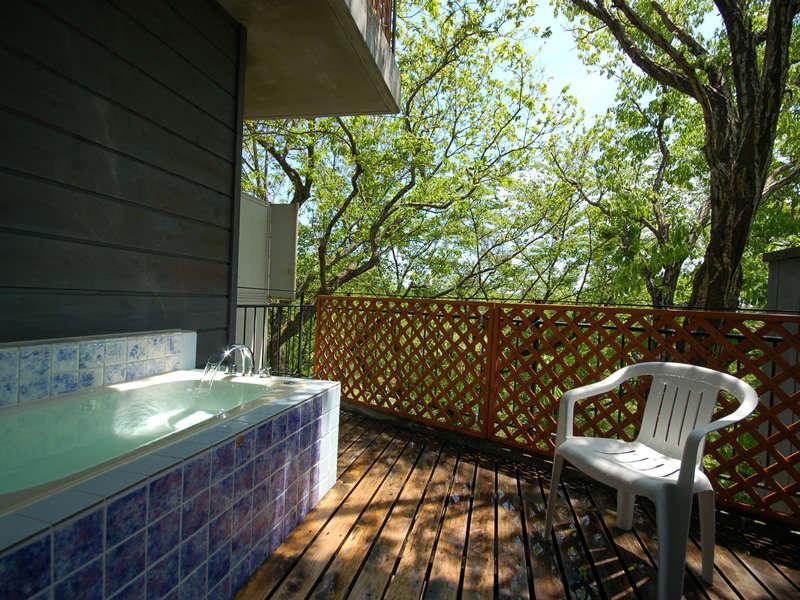 201号室の客室露天風呂