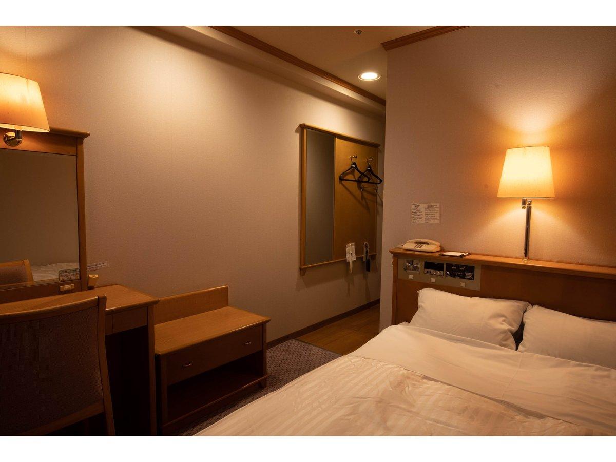 スタンダードダブル2名利用(客室一例)140cm幅のダブルベッドは2名様までご利用いただけます