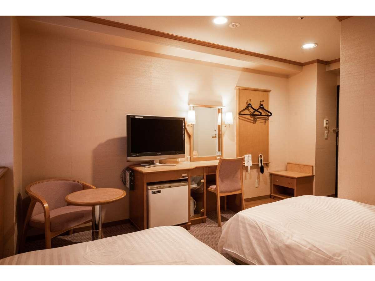 ラージツイン(客室一例)約19㎡のツインベッドのお部屋です