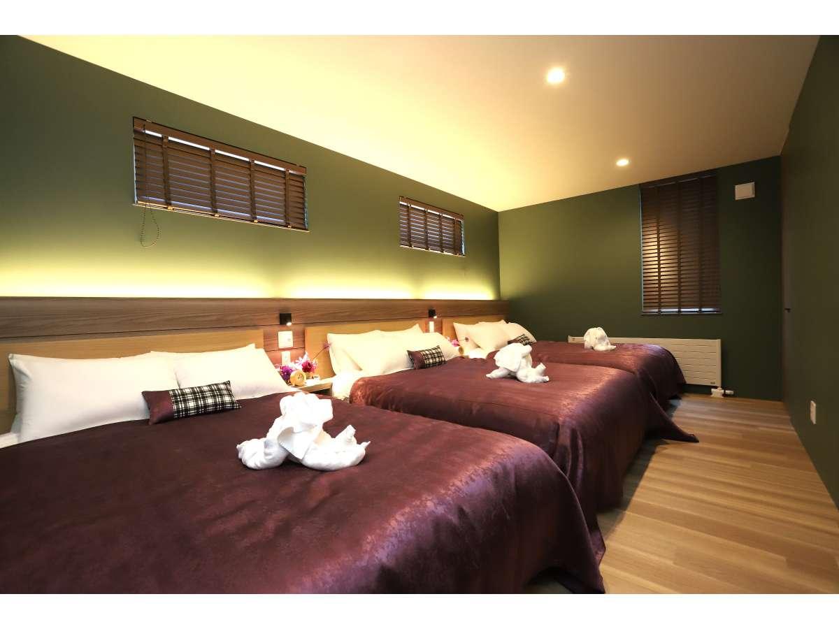 寝室③:ダブルベット×3台