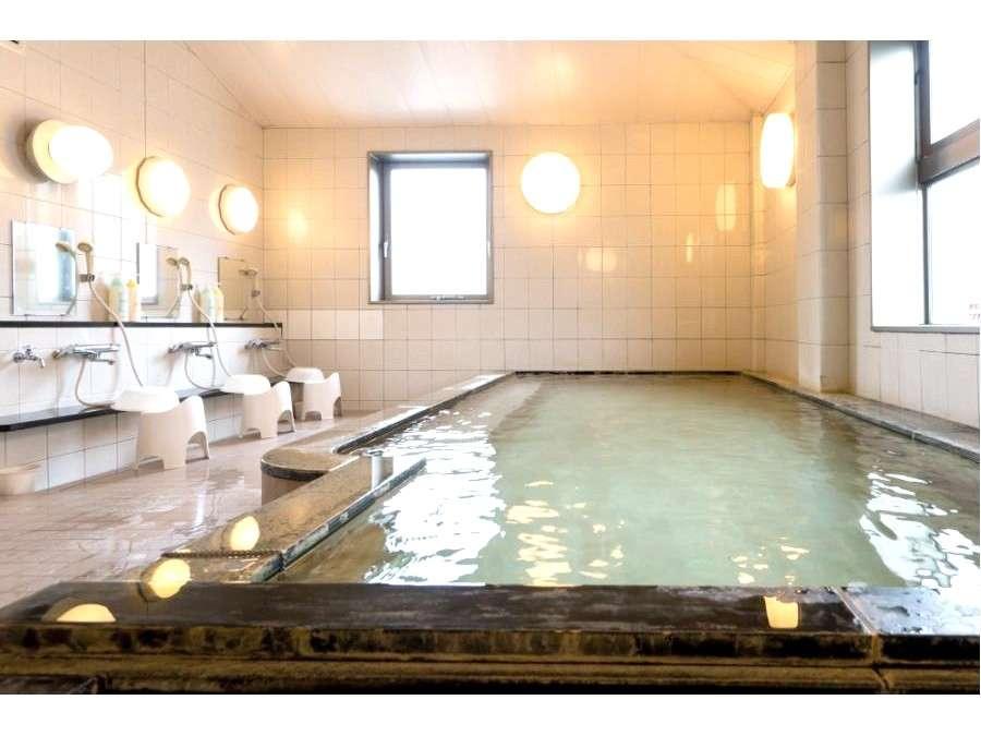 【白馬村に湧く姫川温泉の大浴場】              16:30~26:00 翌5:00~9:30