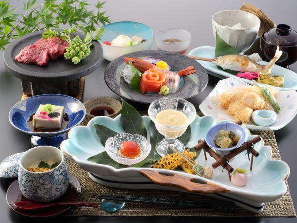 夏のご夕食一例 ~地元の食材を使ったお料理を月替わりでご用意しております。~※イメージ
